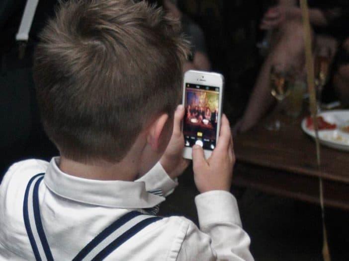 Sollten Kinderfotos auf Facebook gepostet werden
