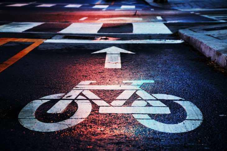 Kindersitz oder Fahrradanhänger: Was ist besser & sicherer?