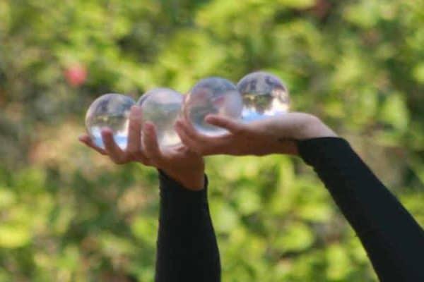richtige prioritäten setzen ist wie jonglieren mit glaskugeln