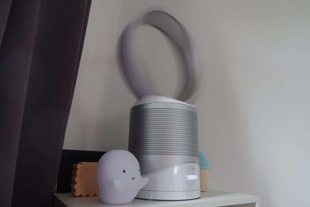 dyson pure cool link dreht sich und verteilt Luft überall im Raum