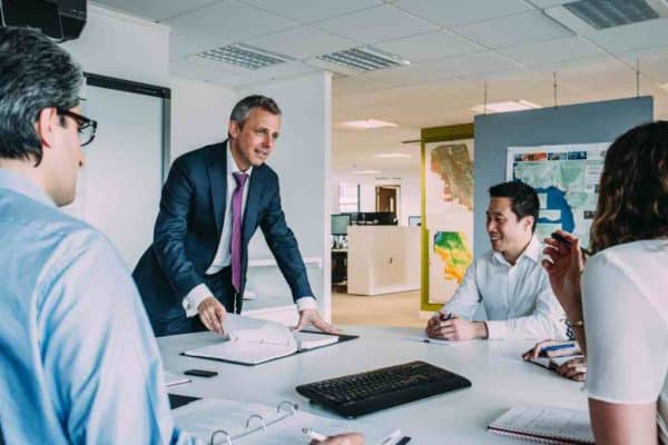 Lerne von Deinem Chef ein gradliniger vater zu sein